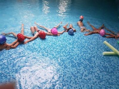 Проект Плувам и се забавлявам в ДГ 25 Изворче в Банкя