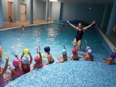 Плувам и се забавлявам-проект на детска градина 25 Изворче в Банкя