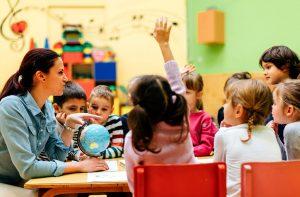 Обява за свободни работни места за набиране на детски учители и психолог в ДГ 25 Изворче. Документите се приемат от 12.08 до 30.08.2019